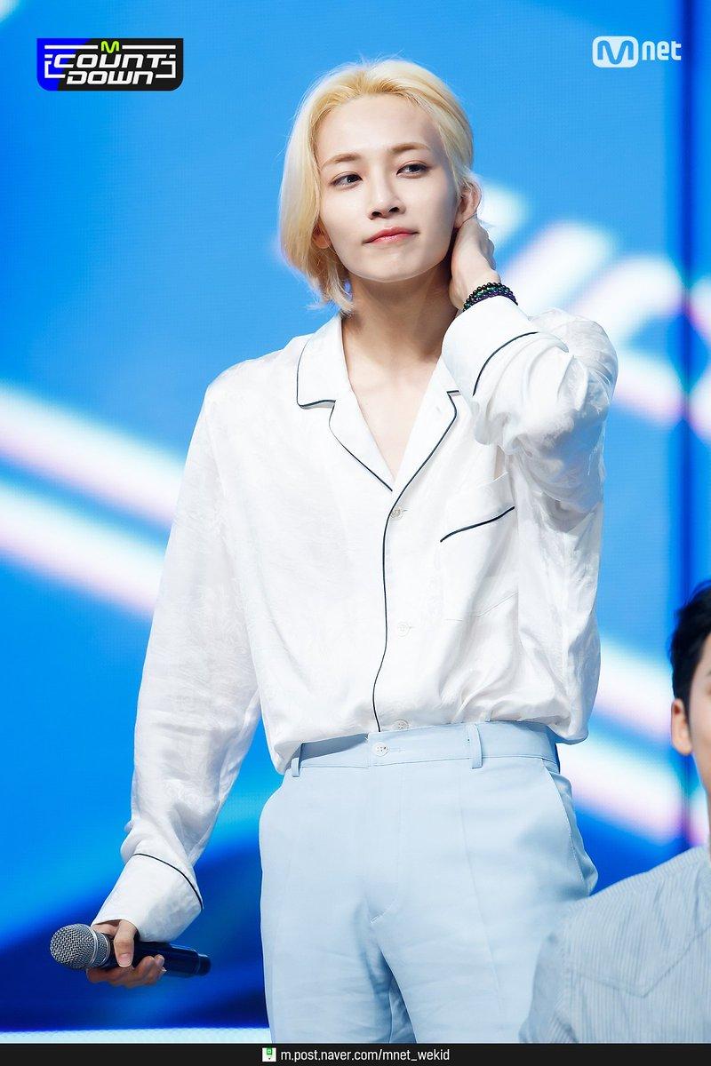 seventeen jeonghan long hair 3