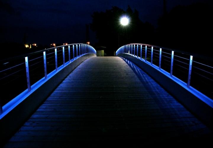 THE BLUE BRIDGE di ronnj