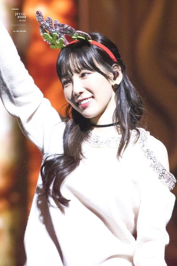 taeyeon shoulder 29