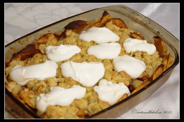 Celtic Apple Crumble W/ Irish Whiskey Cream Sauce Recipe