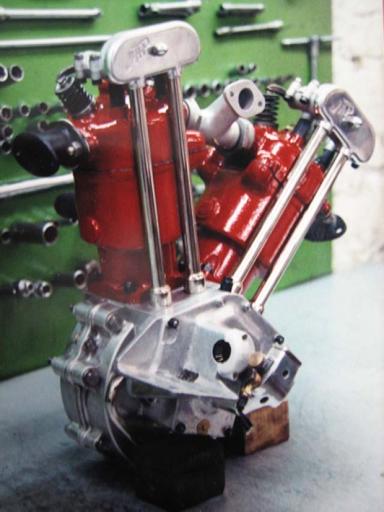 Refection d'un superbe V twin par les ateliers Machines et Moteurs
