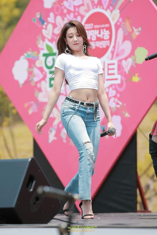 seungyeon body 18