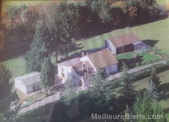 propriété à Saint-Julien-le-Pèlerin (19)
