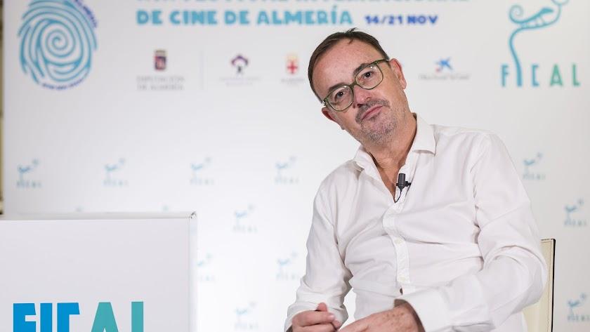 Manuel Martín Cuenca será el gran protagonista del curso sobre dirección.