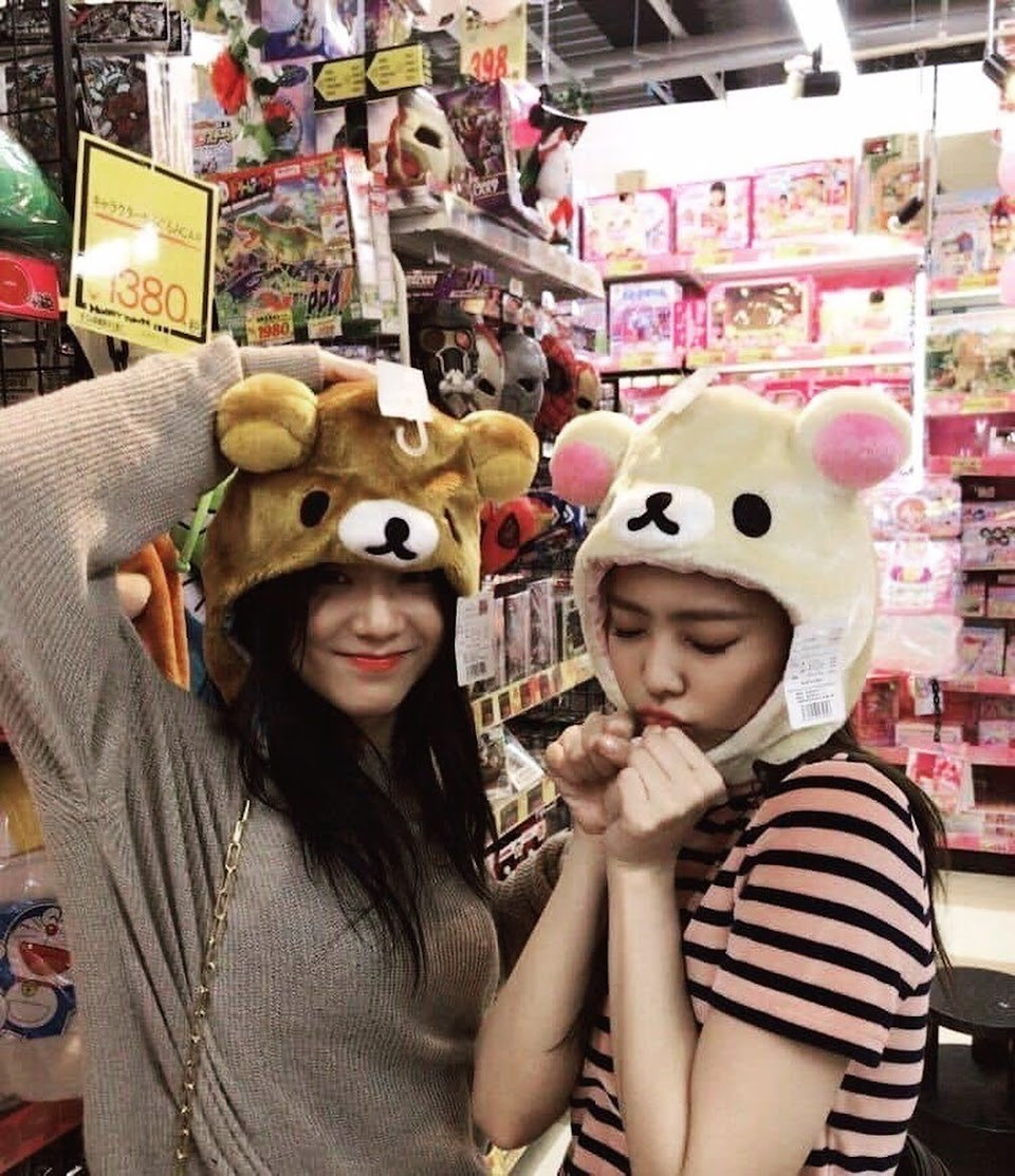 blackpink jennie jisoo 1