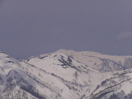 赤兎山アップ