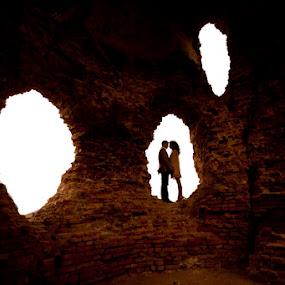 Couple by Dušan Marčeta - Wedding Bride & Groom ( love, kiss, red, couple, bride, wall )