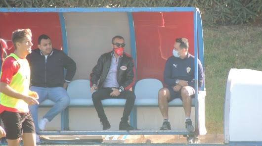 José Gomes quiere un Almería feliz con el balón y Mohamed toma apuntes