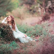 Wedding photographer Natalya Astakhova (AstiN). Photo of 04.02.2014