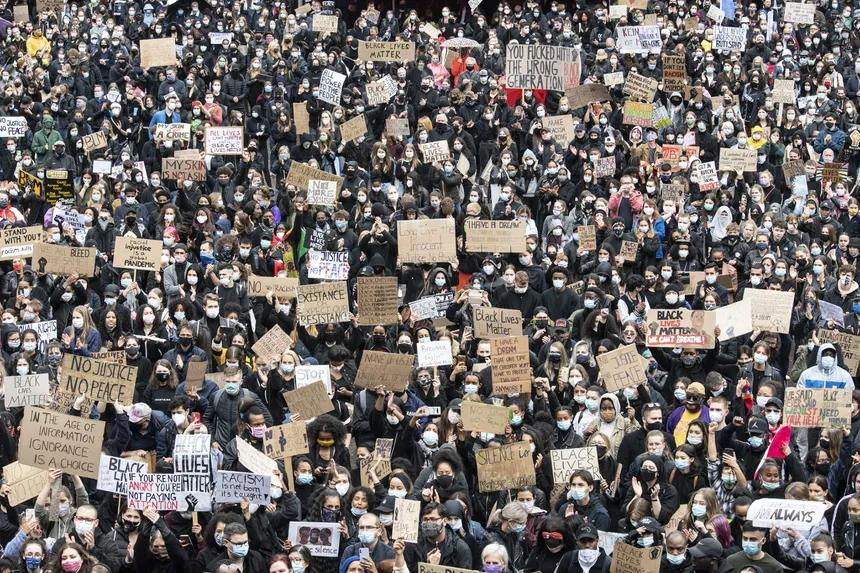 Zehntausende demonstrieren gegen Rassismusfrankfurt.cleaned