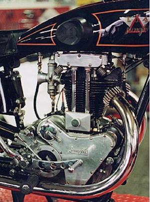 Superbe restauration d'une Jonghi de 1933