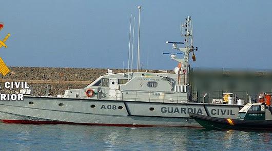 Rescatan en Garrucha a los cuatro tripulantes de una embarcación recreativa