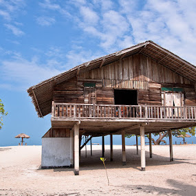 Wooden House at Alau-alau by Lessy Sebastian - Landscapes Travel ( beach, places, travel, house )
