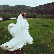 Wedding photographer Anastasiya Pyrozhenko (pyrozhenko). Photo of 28.12.2014