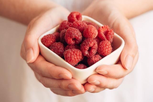benefits of raspberries for women