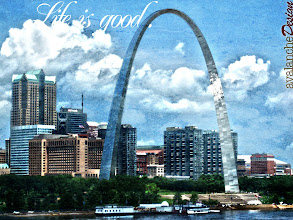 Photo: I _think_ this is the St. Louis arch...but you know, I could be wrong... ;)