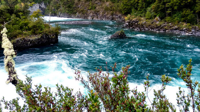 river+rio+puerto+varas+chile.jpg