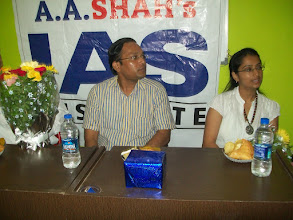 Photo: UPSC Toppers Seminar 2012 with Topper Priyanka Singhla 2011 AIR 86 at A A SHAH's IAS Institute, NERUL