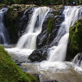 Maribaya Waterfall #6 by Mulawardi Sutanto - Landscapes Waterscapes ( lembang, waterfall, curug, maribaya, travel, indonesia, bandung )