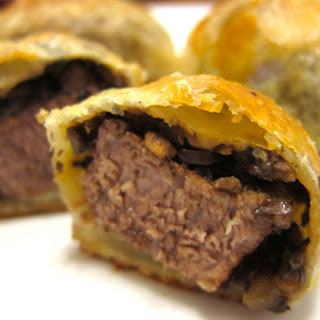Mini Beef Wellingtons.