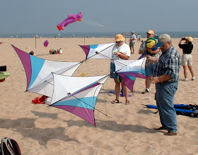 Photo: Ken McNeill of Blue Moon Kites with the Ichiban (2002 AKA Nationals, Ocean City, Maryland
