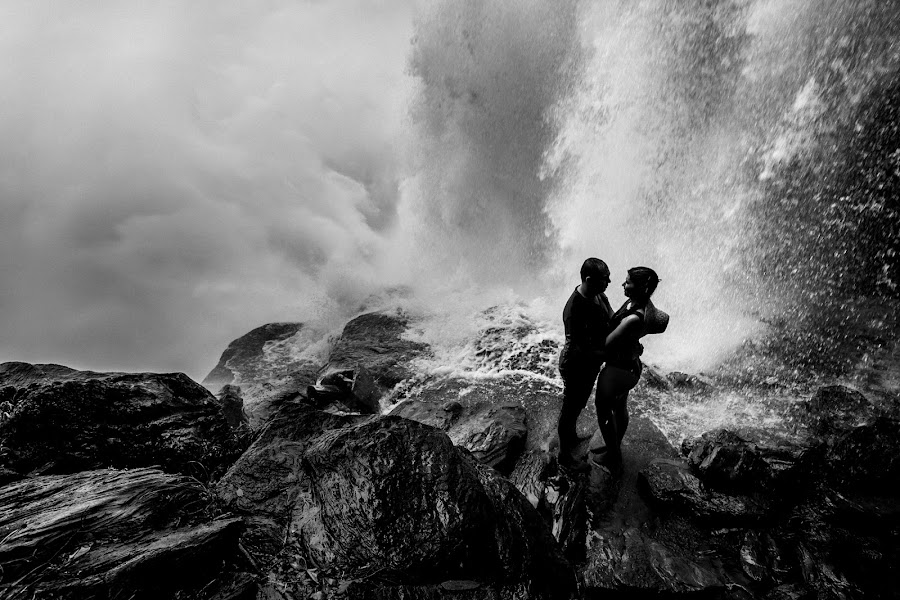 Wedding photographer Leonel Longa (leonellonga). Photo of 03.09.2019