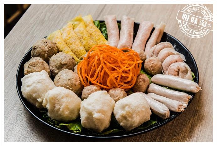 愛食鍋麻辣鴛鴦丸子拼盤