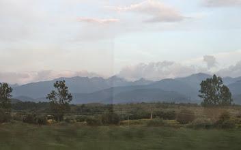 Photo: První pohled na pohoří FAGARAŠ. Z vlaku