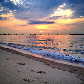 Sunrise at the beach by Janette Ho - Instagram & Mobile iPhone