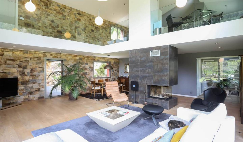 Maison contemporaine avec jardin Arinsal