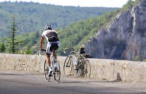 lescleriade-haut-lieu-du-cyclisme-au-pied-du-ventoux