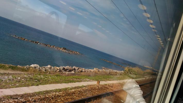 ....guardando dal finestrino del treno di Luce65