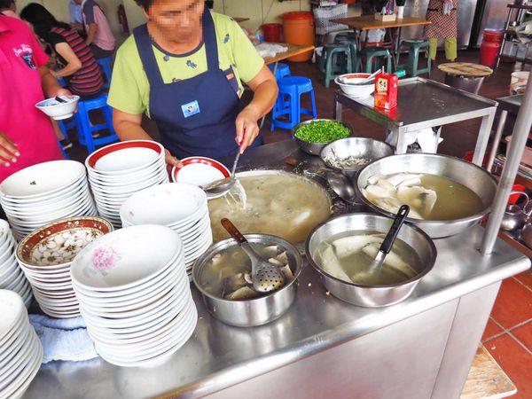 阿憨鹹粥-滿滿無刺虱目魚與蚵仔的鹹粥