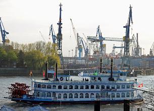 Photo: Hamburg's Shipyard