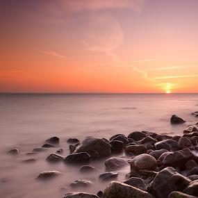 Stoned sunset by Kim Borup Matzen - Landscapes Beaches ( water, sunset, long exposure, beach, denmark, stones )