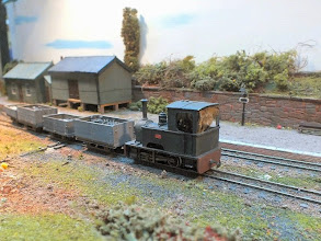 """Photo: 129 Kerr Stuart Skylark class """"Alf"""" shortened to 0-4-0 and without coal bunker with a train including some """"bagwag"""" Bagnall goods wagons at Chris Ford's Edge"""