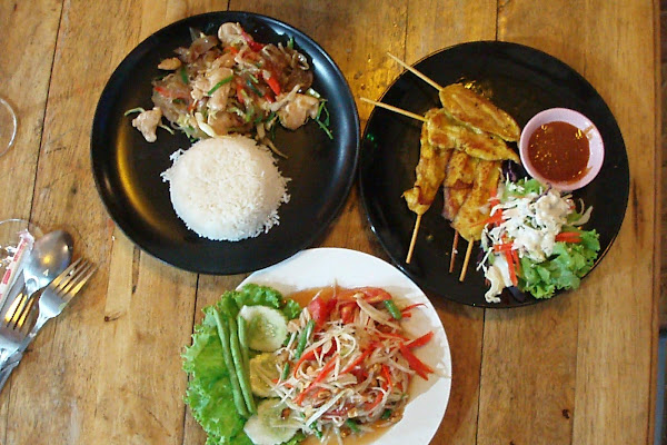 Enjoy a buffet lunch at Montra Resort on Koh Tao