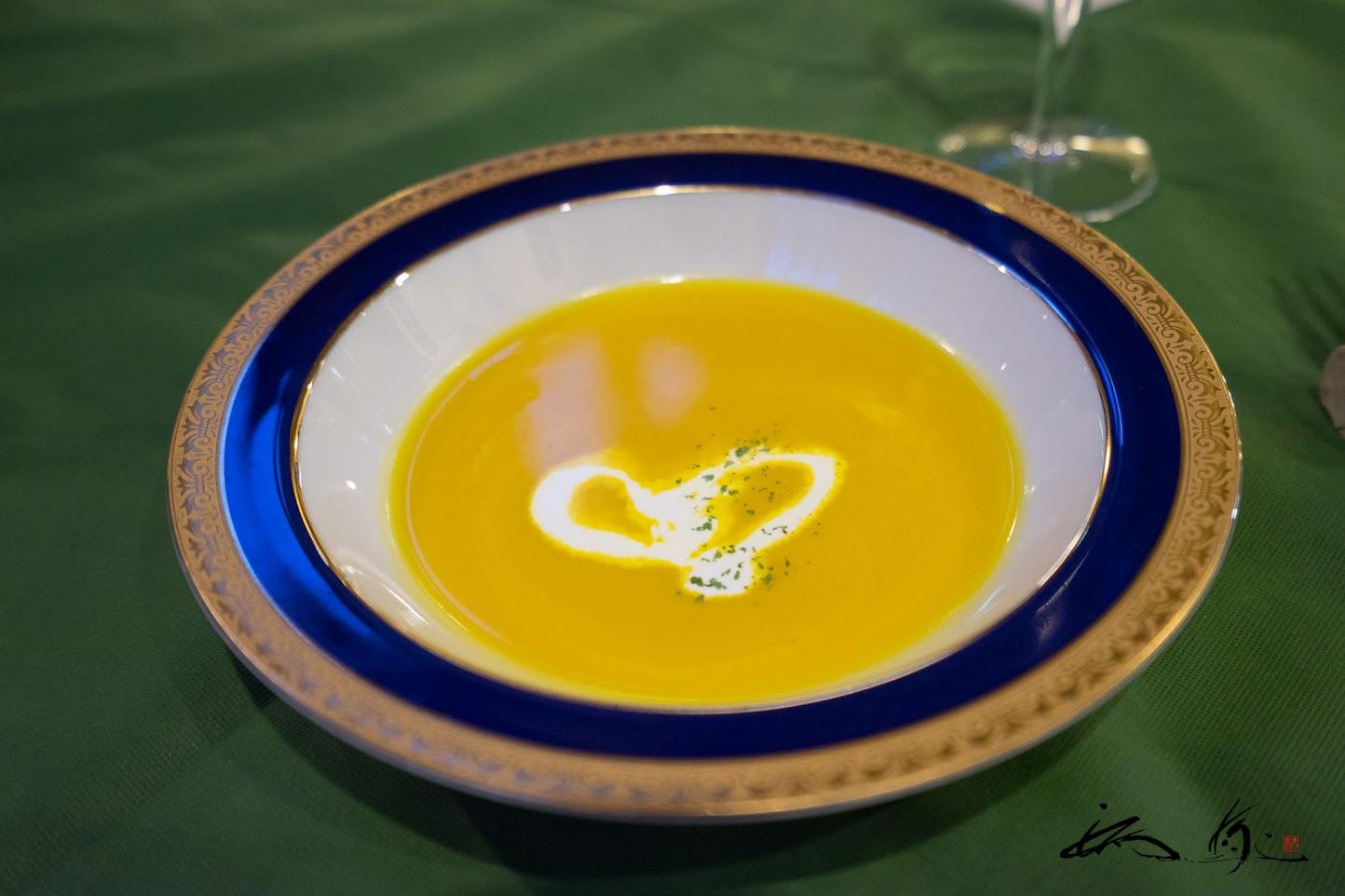 ♡型描かれたスープ