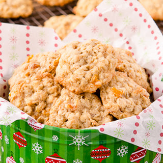 Amaretto Apricot Oatmeal Cookies