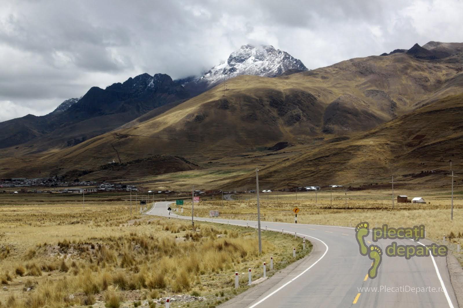 drumul de la Lacul Titicaca spre Cusco, in Peru