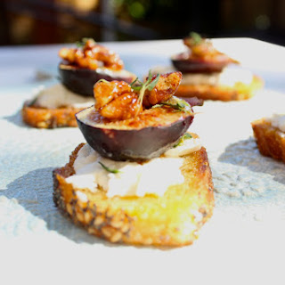 Crisps with Honey Roasted Figs and Goat Cheese