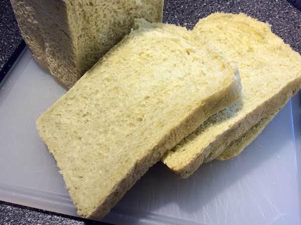 Pesto Bread (abm) Recipe