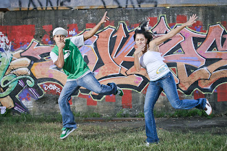 Photo: #StreetArtSunday is here again!  For me, the most compelling street art photos feature interaction between the art and the environment around it or with people that have a connection with the art.  This photo features 2 dancer friends of mine from the Bboy City breakdance crew in Austin, Texas. Bboying and graffiti share roots in the early hip-hop movement from the 1980s and I liked how the wildstyle piece in the background has a sense of motion to it.  This was shot for my Pecha Kucha Austin #2 presentation on Breakdance and Hip-Hop http://www.supertsai.com/photo/PKN/PKN00.html  cc #Streetartsunday curators +Luís Pedro +Mark Seymour