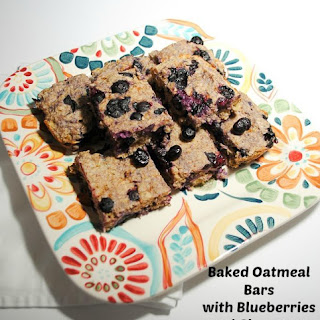 Cinnamony Baked Oatmeal with Blueberries