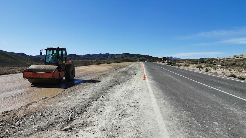 Maquinas trabajando en la zona en obras de la Autovía del Almanzora a principios de este mes de noviembre.