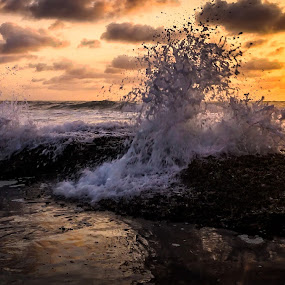 Early Morning Spalsh by Hilton Viney - Landscapes Sunsets & Sunrises ( clouds, canon, splash, waves, formations, beautiful, sea, ocean, seascape, sunrise, rocks, early morning )