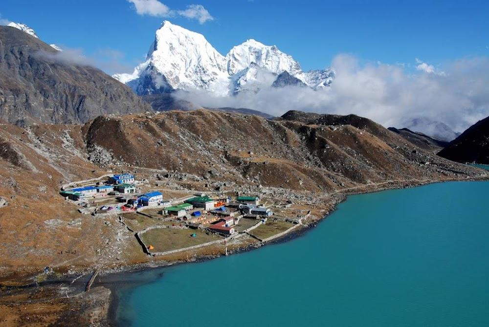 travelogged-10-your-complete-guide-trekking-nepal-everest-gokyo-trek-image