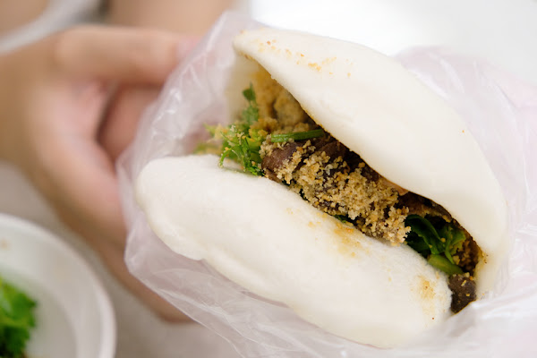 【台北公館美食】藍家割包:米其林推薦肥瘦肉客製,漲價仍是大排隊