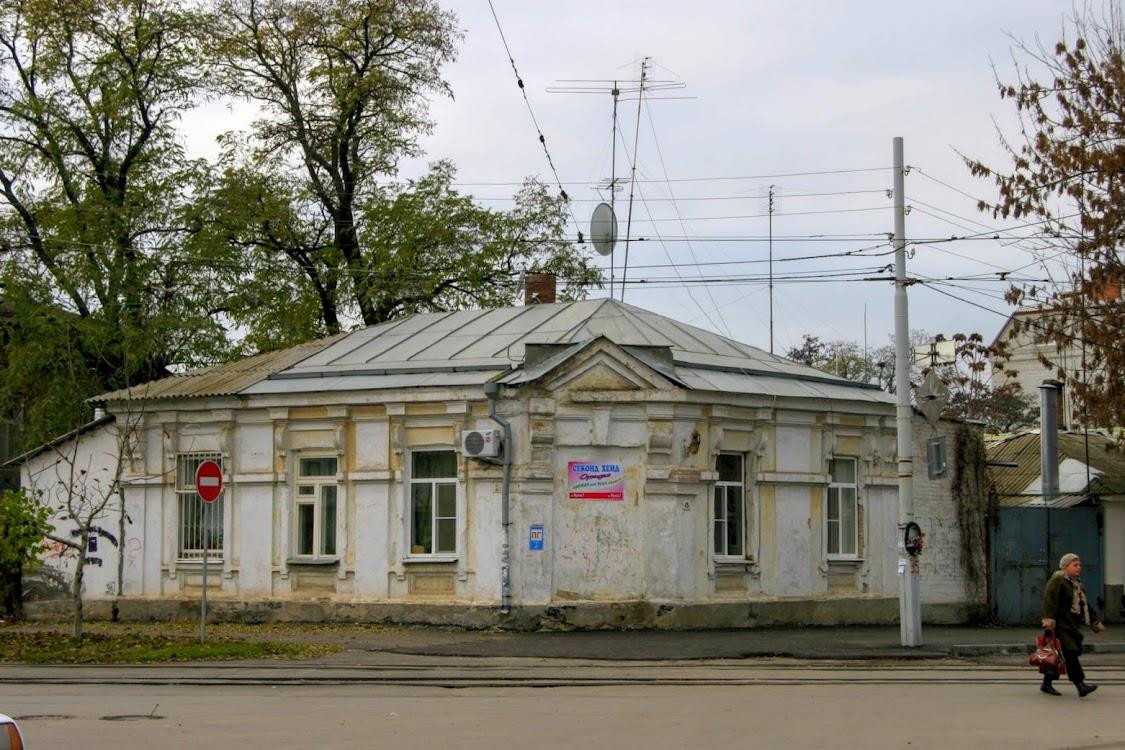 https://sites.google.com/site/istoriceskijtaganrog/frunze-ulica/dom-15