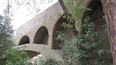 Photo: Restes de l'antic funicular de Montjuïc, al costat del monument a Mistral.
